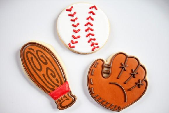 bakedhappy_baseballcookiesproofedWEB