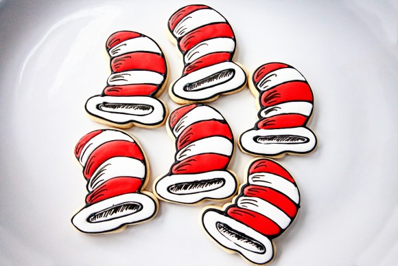 bakedhappy_drseusscatinthehatcookies