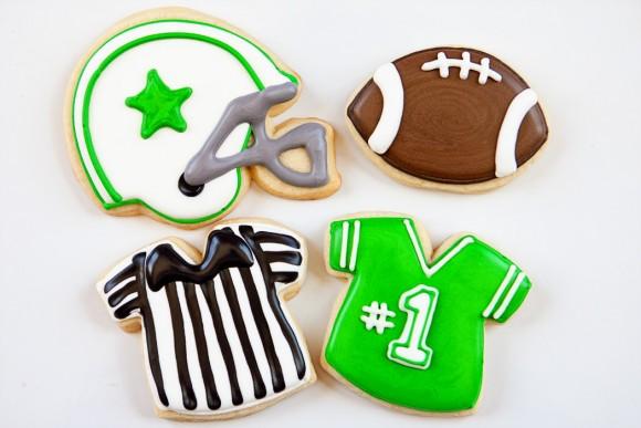 bakedhappy_generalfootballcookiesWEB
